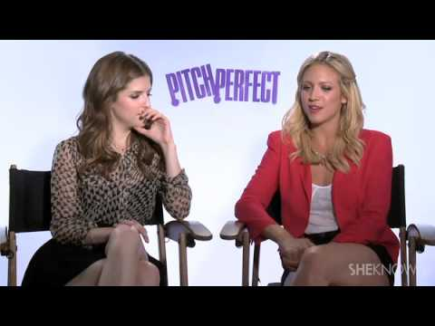 The Cast of Pitch Perfect Sings Their Favorite Songs for SheKnows Celebrity Interview