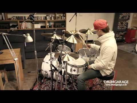 A zildjian Cymbal Set
