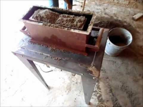 Mini Maquina de fazer blocos de cimento