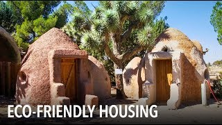 How to build an earth-friendly home with sandbags | VOA Connect - VOAVIDEO