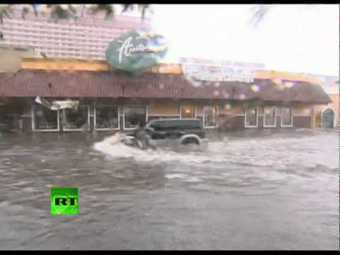 Video of mighty typhoon Nesat lashing Philippines, flooding in Manila