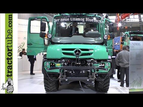 Agritechnica 2013: Der neue Unimog von Mercedes Benz wird auf der Messe vorgestellt
