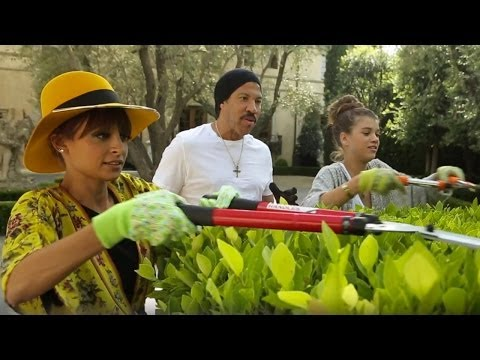 #CandidlyNicole Ep. 7 Deleted Scene | Gardening Lesson