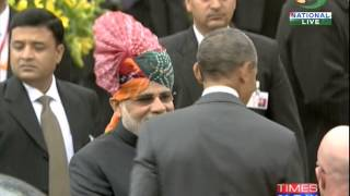 US President Obama and First Lady Michelle Obama arrive at Rajpath - TIMESNOWONLINE