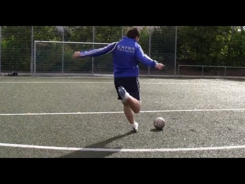 DAVID BECKHAM FREE KICK TUTORIAL | LEARN DAVID BECKHAM FREE KICKS