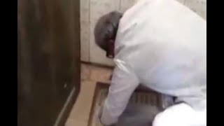 In Graphics: A BJP MP from rewa cleaned toilet by bare hand - ABPNEWSTV