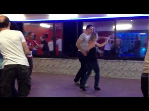 Taksim Dans Kursu Orta seviye Salsa ögrencileri