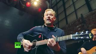 The Peter Schmeichel Show: Legendary goalkeeper explores World Cup host cities (Ekaterinburg) - RUSSIATODAY