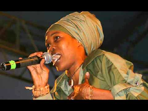 Queen Ifrica - Pot Still Affi Bubble {Pursue Riddim} Creative Noize Records [April 2011]