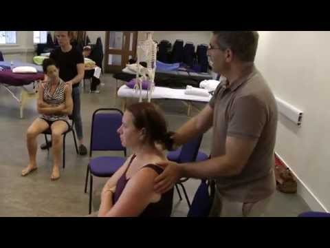 Seated massage techniques: oscillation and mobilization