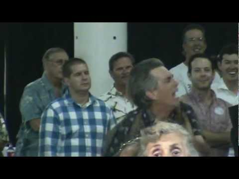 Man loses his shit at a Willie Nelson concert