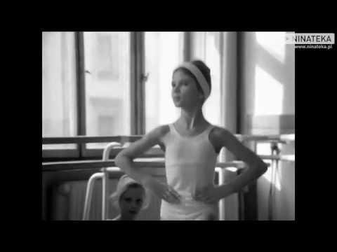 Fragment krótkometrażowego filmu Krzysztofa Kieślowskiego z 1978 roku o młodych baletnicach