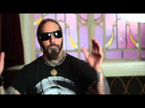 EXCLUSIVE: DEZ FAFARA on his return to COAL CHAMBER