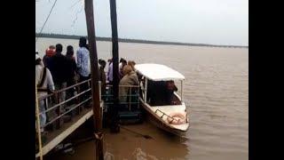 Andhra Pradesh: Boat capsizes in East Godavari, several missing - TIMESOFINDIACHANNEL