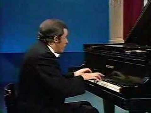 Glenn Gould plays J.S.Bach Piano Concerto No.7 in G minor BW