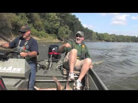 дискавери рыбалка голыми руками