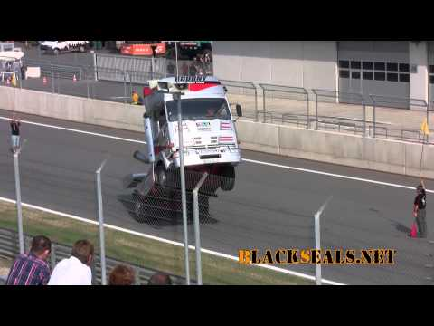 Truck Race Trophy 2013: Wheeling Truck und Looping Truck