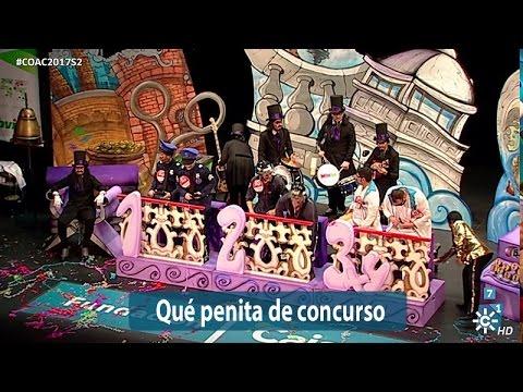Sesión de Semifinales, la agrupación Qué penita de Concurso actúa hoy en la modalidad de Chirigotas.