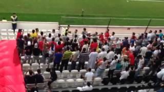 فيديو| مغربيون يشجعون ضد مجيد بوقرة وحسان يبدة