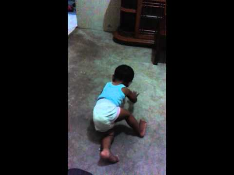 Bayi jago breakdance