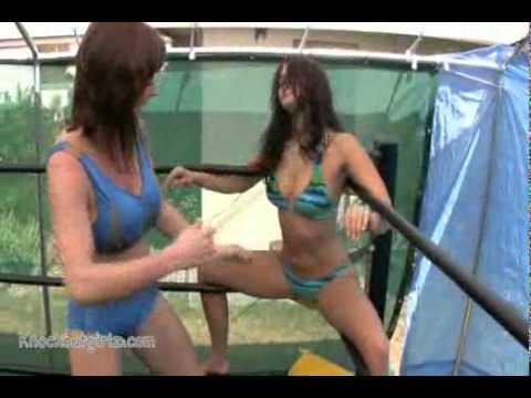 Cali Logan vs Christie Ricci