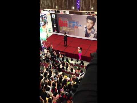 Bii @ Amanjaya Mall 1/9/2013 I Know (Part2)