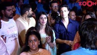 Arpita Khan With Husband Aayush Sharma & His Co Star Warina Hussain Dance At Ganpati Visarjan - ZOOMDEKHO
