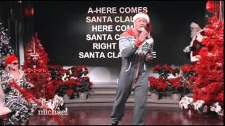فيديو  دوين جونسون يغني لبابا نويل احتفالا بالكريسماس