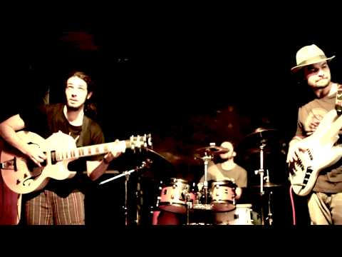 SmOotH STrEeTs PrOjEcT - City Lights (Live In Florence @ La Cit