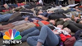 Students Conduct a 'Lie-In' to Protest Gun Violence | NBC News - NBCNEWS