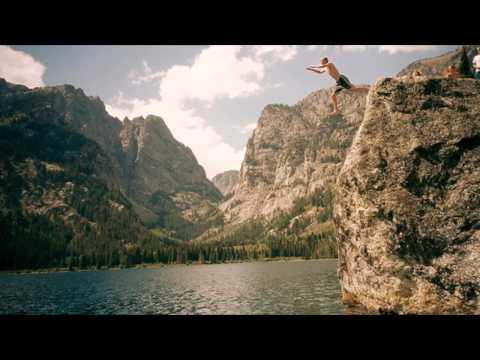 Tiesto - Chasing Summers (Original Mix) -xntiu9viBXI
