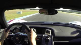 شاهد بورش 918 سبايدر وهي تحقق رقماً قياسياً جديداً على المضمار