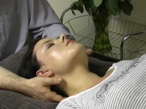 neck massage therapy and techniques 5