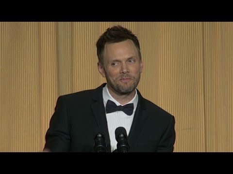 (RAW) Joel McHale Zings Gov. Christie at WH