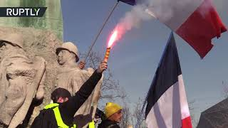 Yellow Vest protests continue, police disperse demonstrators using tear gas and stun grenades - RUSSIATODAY