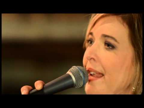Amber Digby - Live At Swiss Alp Hall - Medley: Wine Me Up/Close Up The Honky Tonks