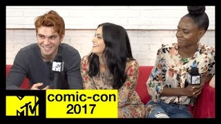 Riverdale LIVE from San Diego ComicCon| MTV - MTV