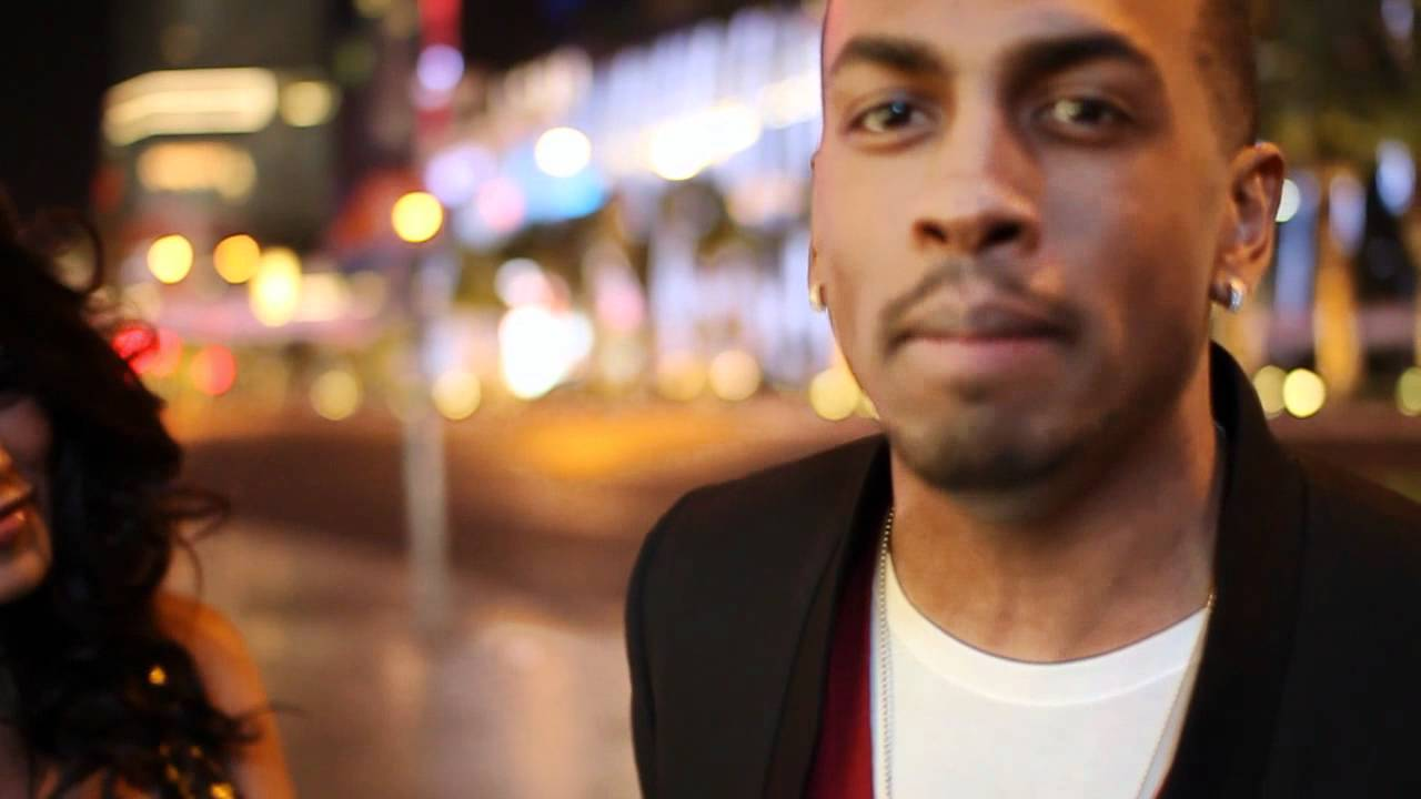 HD wallpaper: Colonel Reyel - Toi et Moi - Las Vegas avec Ayem - VideoPotato.com