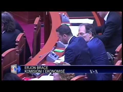 Parlamenti shkarkon Guvernatorin Fullani