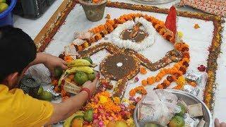 Watch: Devotees perform Govardhan Puja at Jhandewalan temple in Delhi - TIMESOFINDIACHANNEL