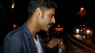 Sikandar Kher Spotted In Town With Friends - ZOOMDEKHO