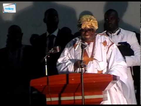 Inédit!Cheikh Modou Kara Mbacke chante et tombe en transe