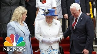 Queen Elizabeth Given A Helping Hand, But Did Royal Protocol Get Squeezed Out? | NBC News - NBCNEWS