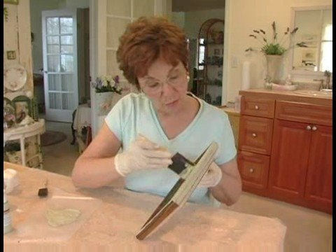 Making Picture Frames Look Old : Painting the Top Coat for Aging a Picture Frame