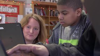 This School Partners Students And Entrepreneurs, Giving Tools To Run A Business | NBC Nightly News - NBCNEWS