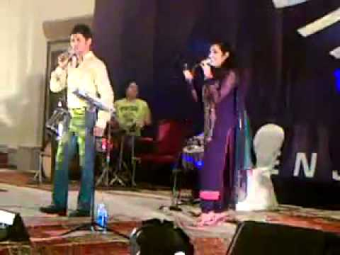 Sara Raza Khan Singing on Wedding Ceremony