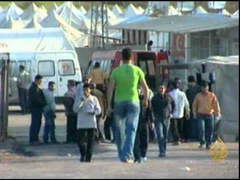 نقل اللاجئين سوريين في تركيا الى مخيمات جديدة