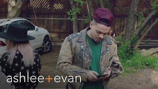 Evan Ross Freaks Without Cellphone Reception | Ashlee+Evan | E! - EENTERTAINMENT