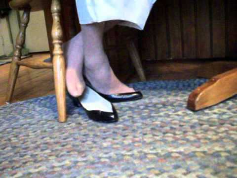 my V vamp heels toe cleavage under chair 26oct12a