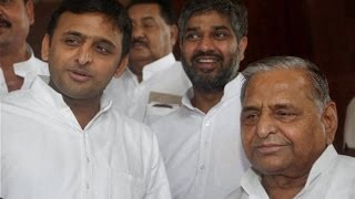 Mulayam Singh and Akhilesh Yadav slam Election Commission, NCW - TIMESNOWONLINE
